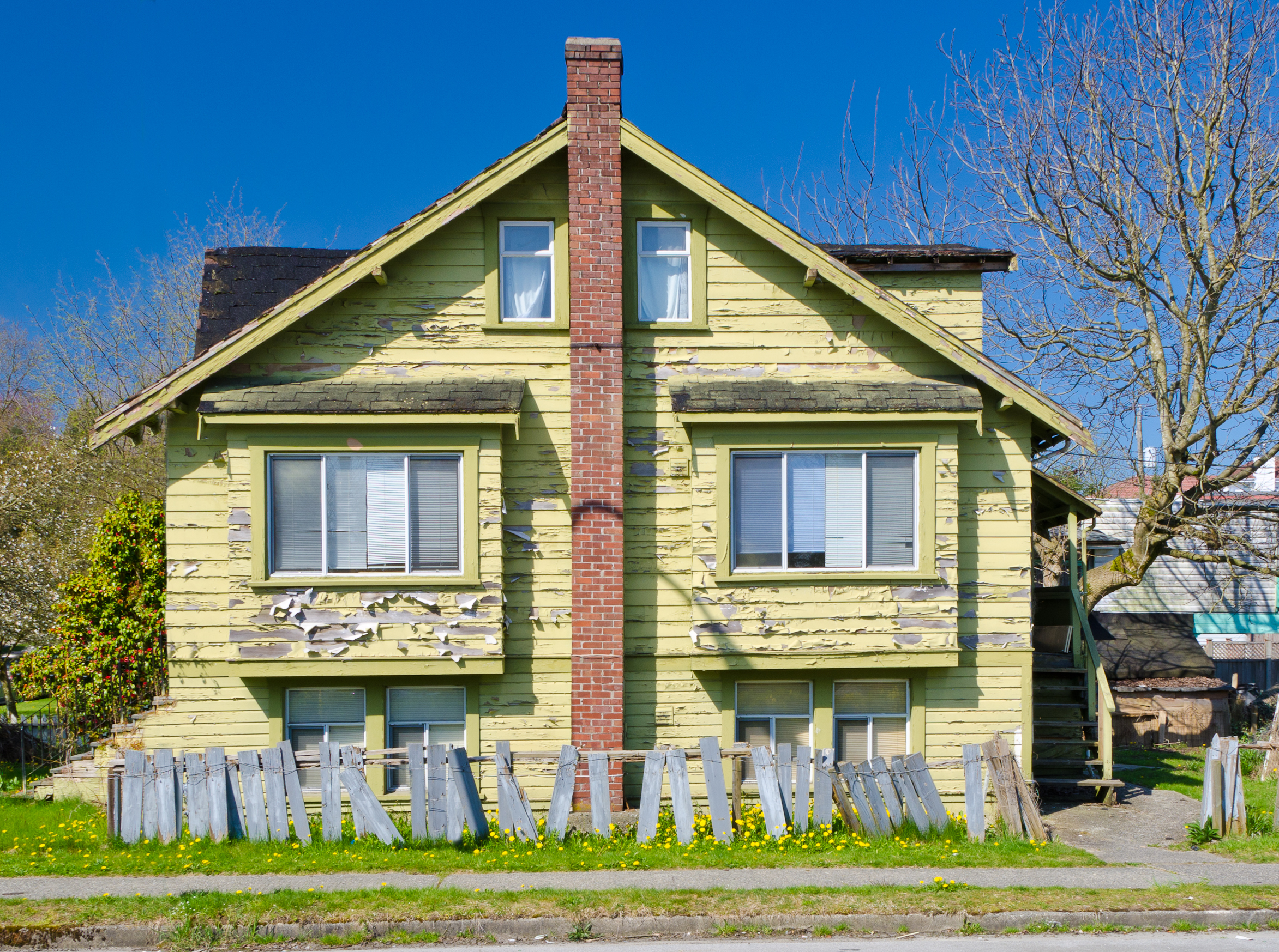 The 4 biggest house flipping mistakes armando montelongo for What is flipping houses